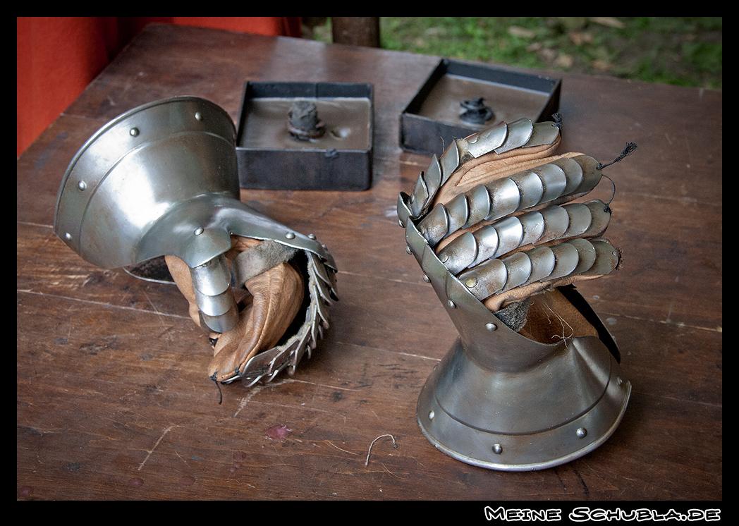 Ritterhandschuhe